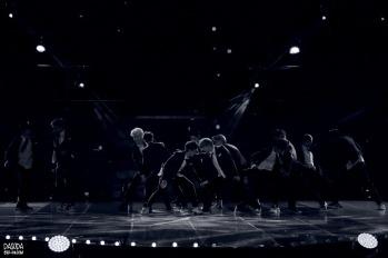 EXO Performing Growl_2