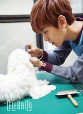 Baekhyun Grooms a Dog