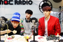 Baekhyun too Busy Eating to Care