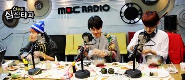 BaekSooChen preparing rice balls