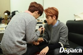 Chen Records his and Baekhyun's hands (2)
