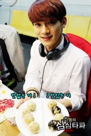 Chen showing off his food (2)