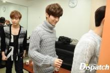 EXO leaving the resting room