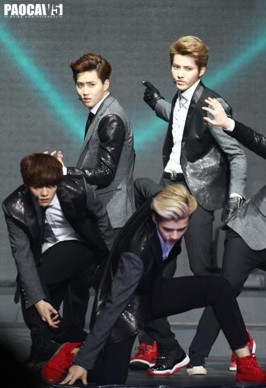 Suho, Kris, Luhan, Sehun - Wolf End Pose