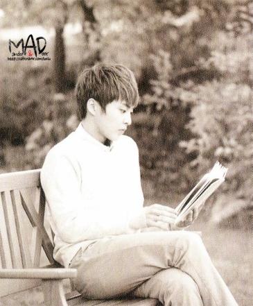 Xiumin Reads a Book