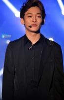 Chen in all black