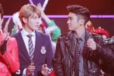 Kris & Siwon Stare-off contest_2