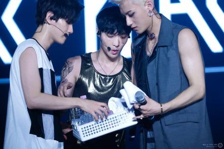 Baekhyun, Lay & Tao