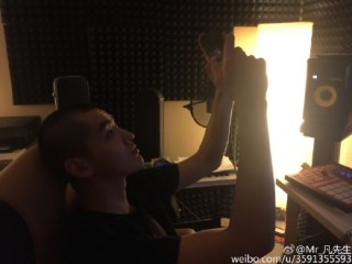Kris in his Studio_02