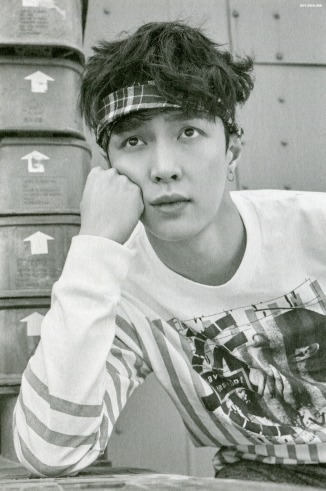 LAY_Lucky One 11