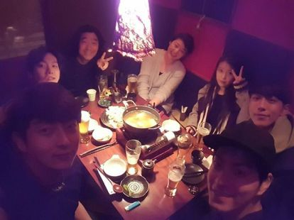 hjonghyun: Although it was freezing at the time of he first meeting for Scarlet Heart, please look forward to the first broadcast on 29th August @dlwlrma @actor_jg @baekhyunee_exo @skawngur and the director and writer (160812)
