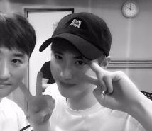 """terry_taehyun: """"I've never seen an idol with such good manners ^^ Good EXO Good Suho (160825)"""